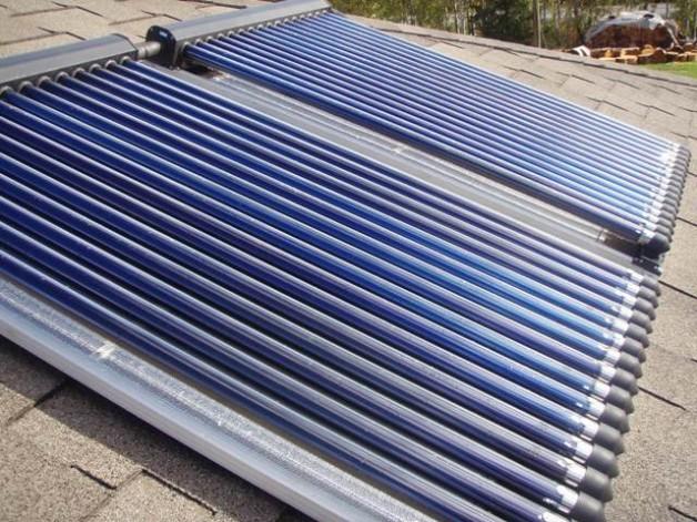 Projecte i instal·lació plaques solars tèrmiques en un edifici vivendes en Vallvidrera