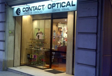 Substitució il·luminació a Led a local comercial Contact Optical