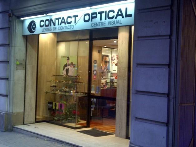 Substitució il·luminació a Led a local comercial Contact Optical